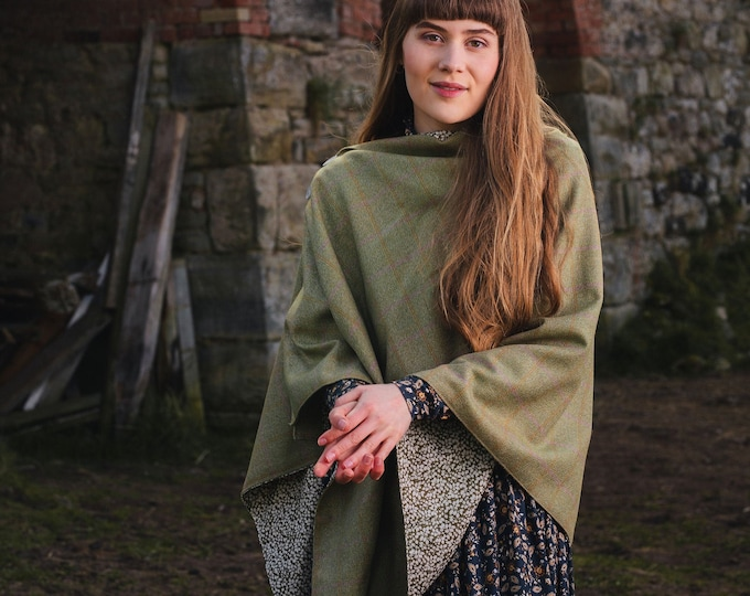 Pale Beige Lovat Tweed Liberty Lined Poncho