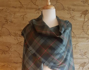 Weathered Gunn Outlandish Shawl with Optional Clan Fraser Pin Selection *FREE SHIPPING*
