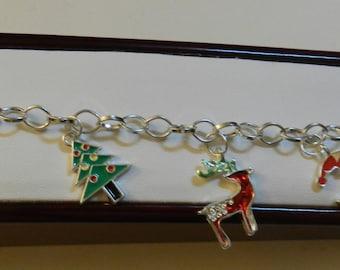 Silver Christmas charm bracelet  Bracelet V4205