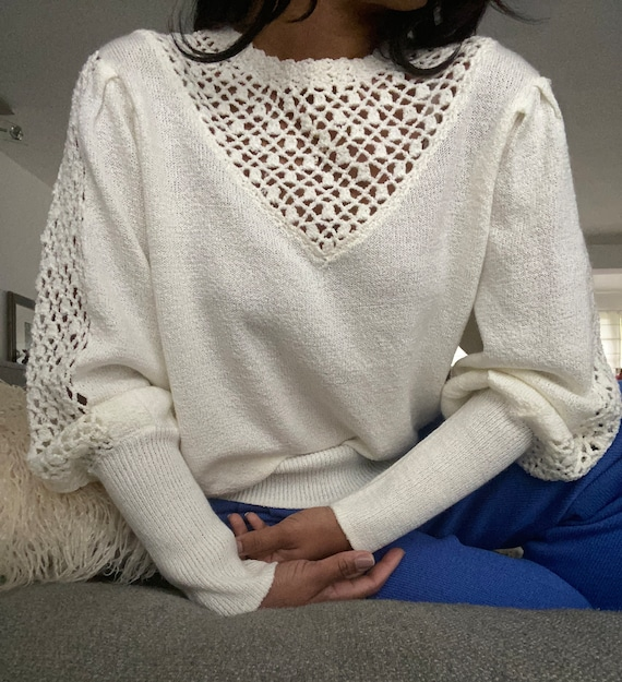 vintage soft knit escalloped puff sleeve sweater - image 8
