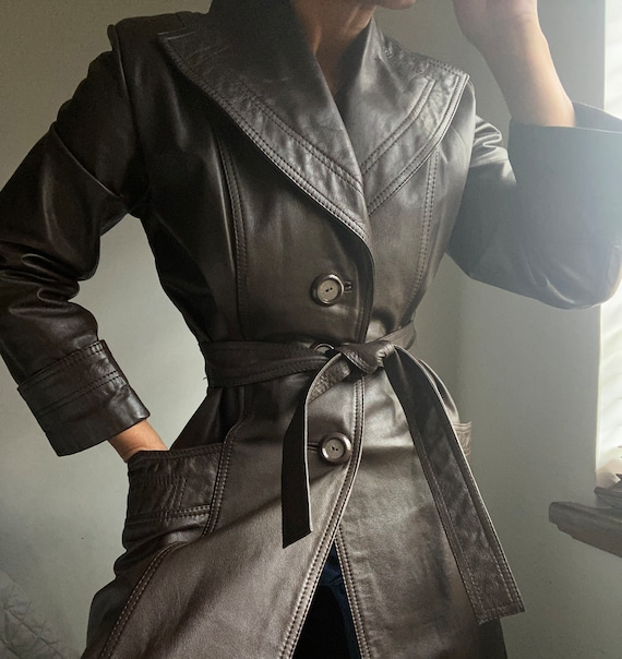 vintage 70s genuine leather essential trench cut b