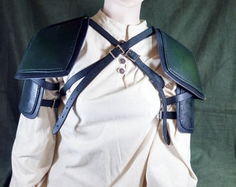 Leather Shoulder Armor Style 1