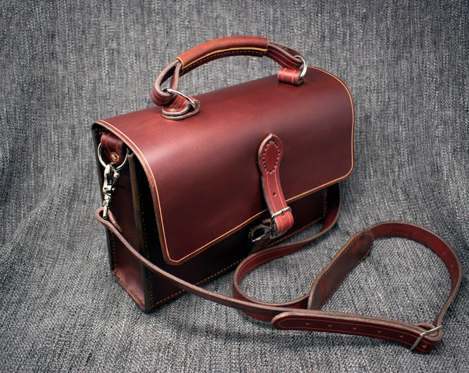 """Featured listing image: The """"MAC"""" Leather Shoulder Bag"""