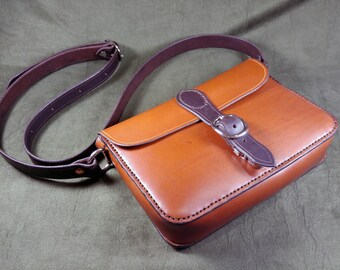 "The ""Lisa"" Leather Purse"