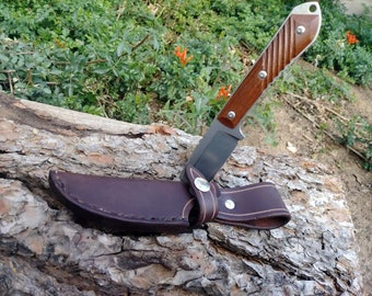 Vertical Leather Sheath for the Chris Reeve Nyala