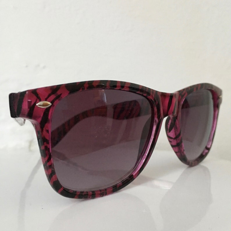 3db36163a434 Vintage 80s Sunglasses  Funky Tiger Print Sunglasses  Pink