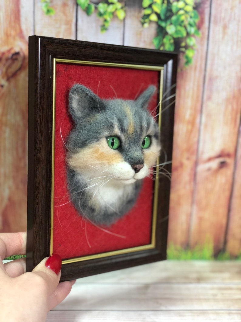 Realistic Cat Shadow box Frame Pet Replica Felt Kitty Made to order. Cat Portrait Sculpture in Frame Needle felted Cat