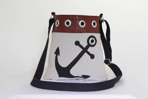 Womens Wallets Anchor Ship Nautical Sea Vintage Leather Passport Wallet Change Purse Zip Handbags
