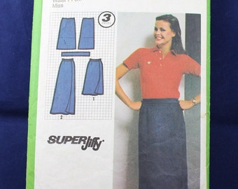 Sewing Pattern for a Set of Wrap Skirts in Size 14 - Simplicity 9325