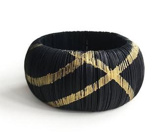Black and gold bracelet, made of paper, contemporary jewel, circle bracelet