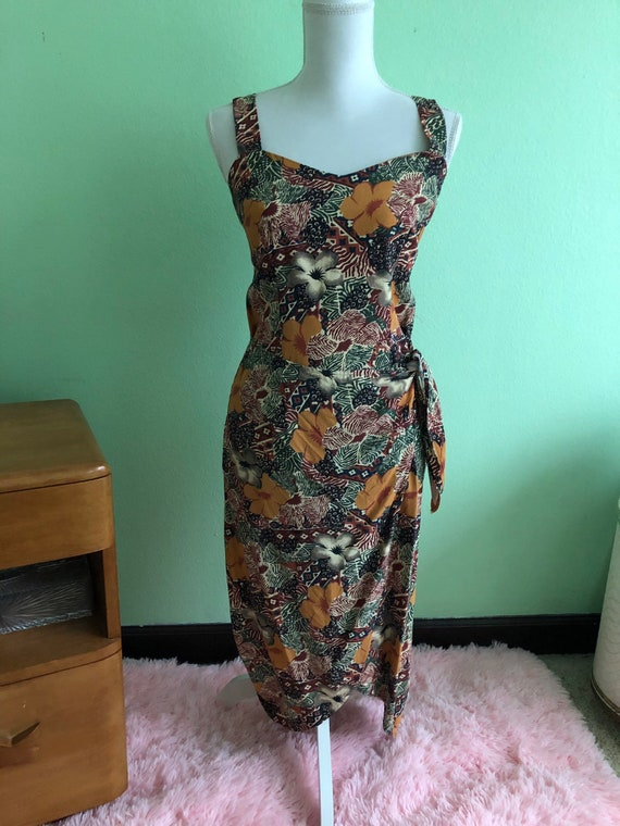 Tiki Sarong dress size medium