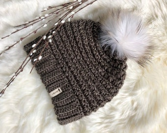 c122928f361d3 Beanie with real fur pom