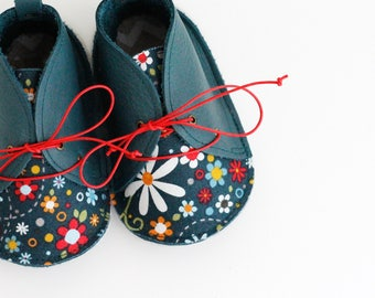 HAPPINESS modern baby shoes in genuine soft leather and cotton