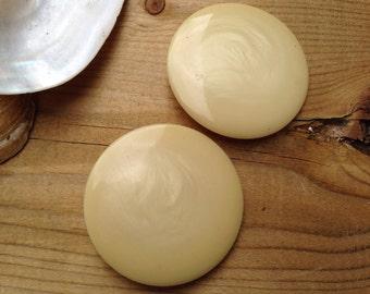 2 Large Vintage Retro Creamy Buttons