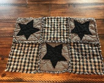 New PriMiTiVe Rag Quilt Homespun Black Tan Stars Plaid Place mats Placemats Rustic Country Centerpiece