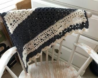 Grey and cream merino wool shawlette
