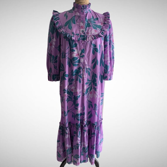 Vintage Hawaiian MuuMuu Dress Purple Floral Leaves