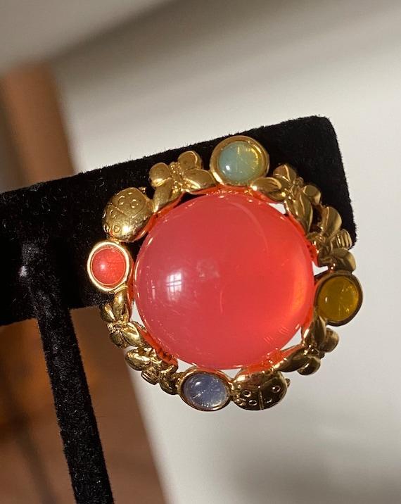 Vintage Trifari earrings signed clip earrings gol… - image 9