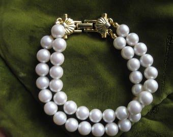 Vintage 1960's Richeleiu Faux Pearl Double Strand Bracelet