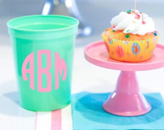 Circle monogram cups, Monogrammed plastic cups, Reusable plastic cups, Personalized plastic cups, Customizable cups, Pool cups, Beach cups