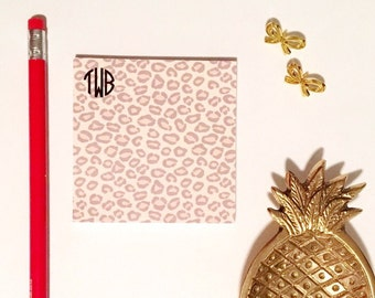 Monogrammed Sticky Notes, animal print notes, leopard print notepad, Personalized post it notes, cheetah print stationery, monogrammed notes