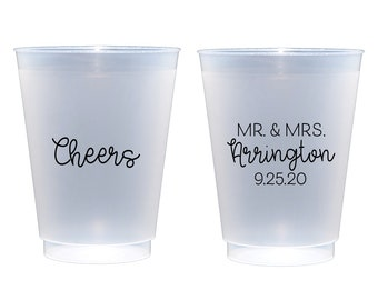 Cheers cups Personalized reception cups Personalized frosted cups Cute wedding cups Wedding cups Custom wedding cups Mr and Mrs cups