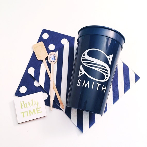 Personalized plastic cups, stadium cups, hostess gift, outdoor entertaining, wedding cup favors, party cups, personalized cups, pool cups