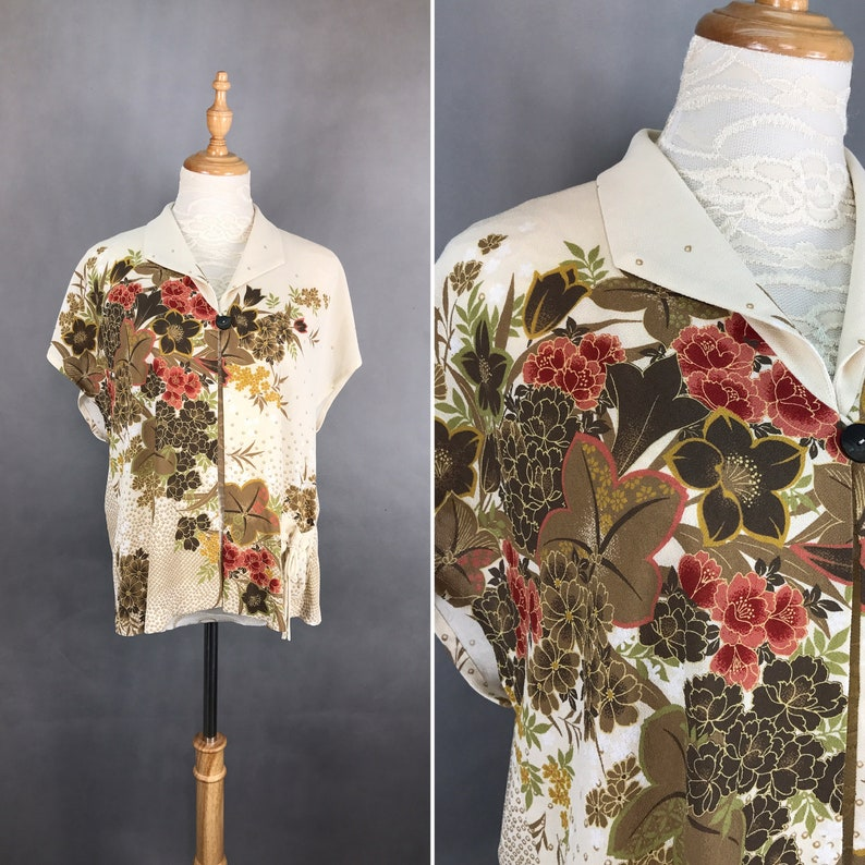 Traditional Japanese Vintage Floral Print Top  Summer Top  Day Top  Made in Japan  Size Medium  Large Top