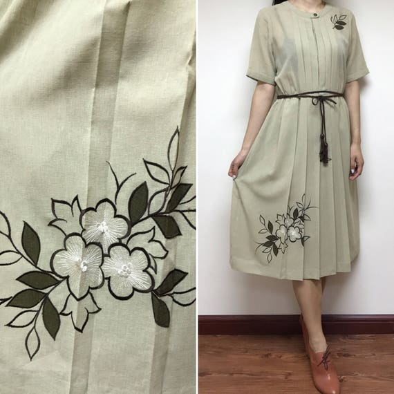 aabc44687f54 1970s Japanese Vintage Embroidery Floral Dress   Day Dress