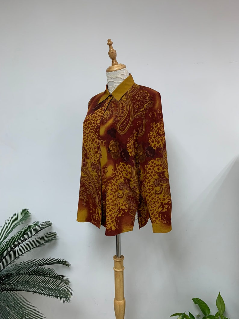 Amazing Japanese Vintage Novelty Print Blouse  Paisley Floral Pattern Blouse  Vintage Lady Shirt  Made in Japan  Size Medium
