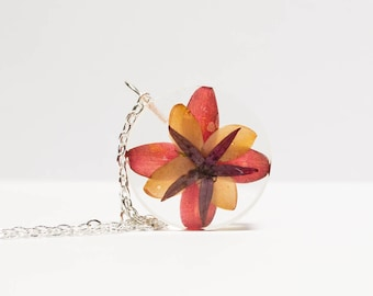 Pressed flower necklace, real flower necklace, real flower jewelry, handmade necklace, preserved nature jewelry, dry flower necklace, gift