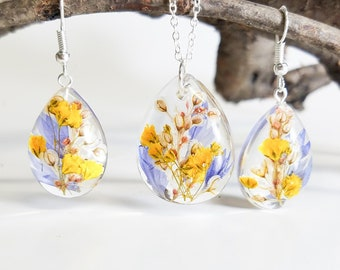 Resin earrings and necklace set