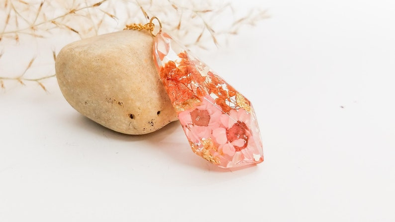 rea flower crystal shaped necklace gift ideas for her nature lover gift resin necklace unique jewelry nature jewelry handmade jewelry