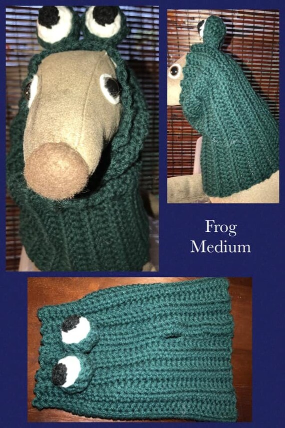 Frog crochet snood