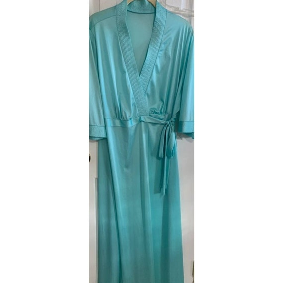 Vintage green nightgown housecoat