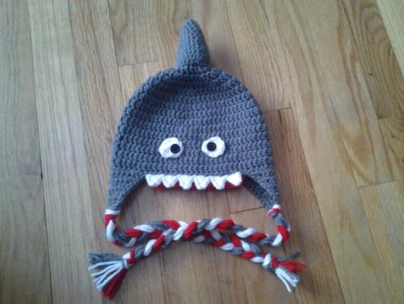 Crochet Shark Hat  dd3bfc9eeb17