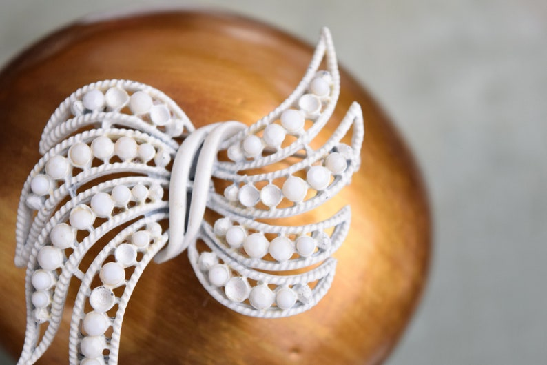 Beaded Brooch Vintage Missing Beads Beaded Bow Bow Brooch White Bow Unsigned Bow Pin White Beads Large Brooch Vintage Brooch