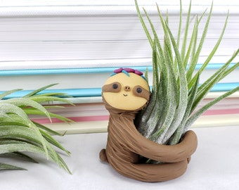Sloth Planter with Flower Crown, Mom Gift, Air Plant Sloth, Air Plant Holder, Sloth Decor, Gift for Her, Sloth Desk Accessory