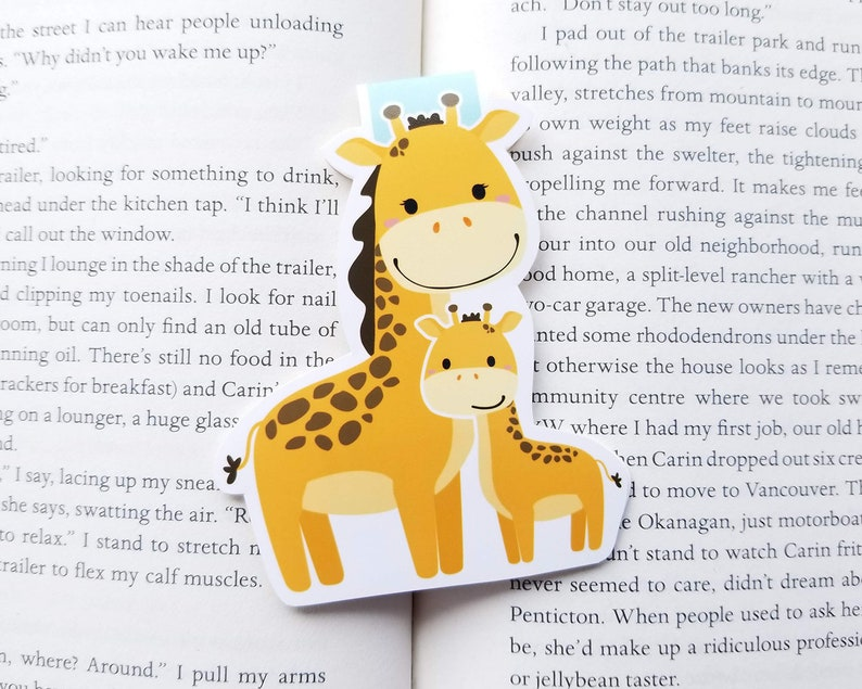 7219befe7 Giraffe with Colt Magnetic Bookmark Mama and Baby Giraffe