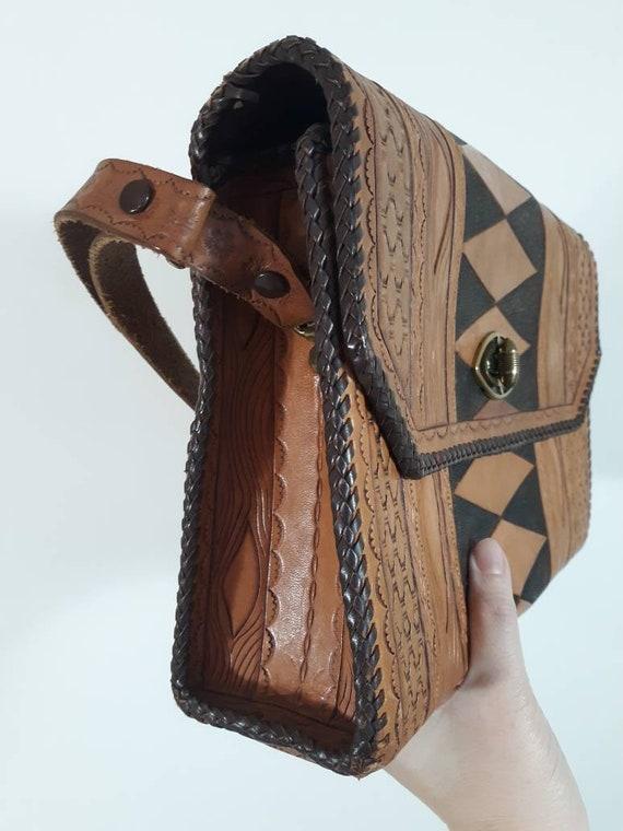 Vintage 60s 70s tooled leather purse / Vintage 70… - image 4