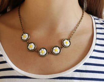 White Daisy Necklace Small Flower Necklace Daisy Bib Necklace Bronze Boho Necklace Daisy Chain Necklace Daisy Jewellery Flower Girl Necklace