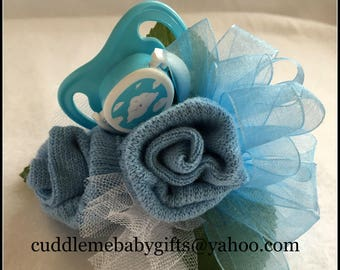 Baby Shower Corsage,Baby Shower Sock Corsage,Baby Shower Gift,Baby Shower Decor,Mommy to be Corsage,Mommy Corsage,Sock Corsage with Pacifier