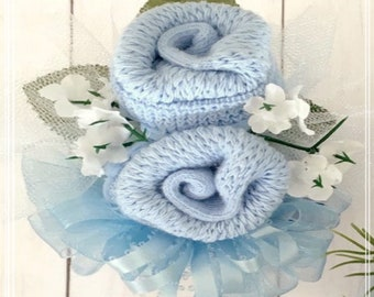 Baby Sock Corsage-Baby Shower Corsage-Expecting Mom Gift-Grandma to be-Big Sister-Mom to be Gift-Baby Shower Decorations.