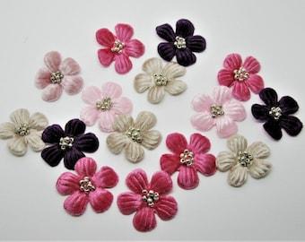 Set of 15 flowers velvet in the Center stone bead - 7K ref