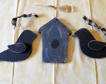 Handmade SET (2) Rustic Autumn Crows + Birdhouse Wood Ornies Country Farmhouse Primitive Grapevine Tiered Display Home Decor