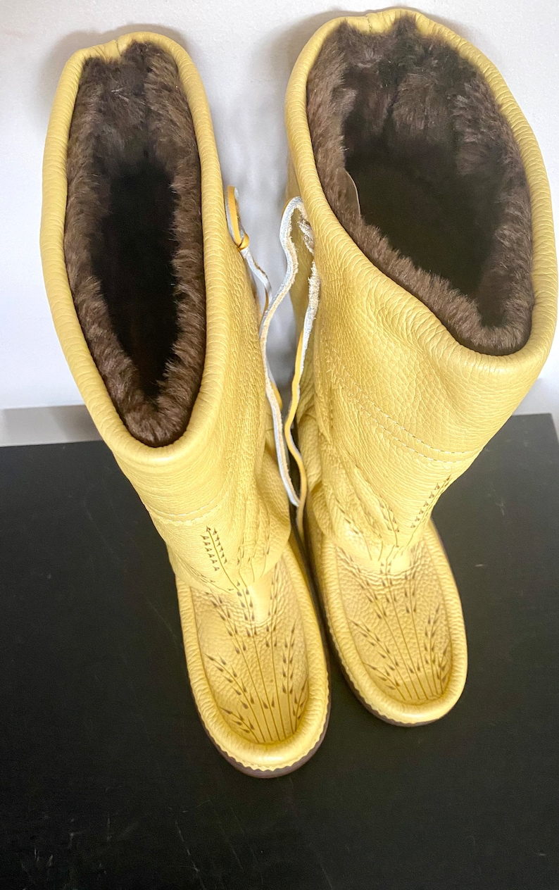 Ladies Size 8 Made in Canada Yellow Mukluks