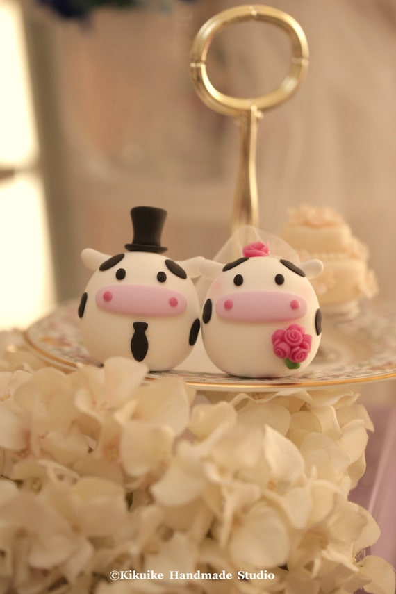 cow wedding cake toppers uk cow wedding cake topper etsy 13034