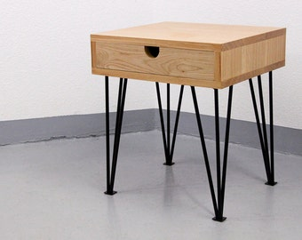 Solid french oak Sidetable on hairpin legs