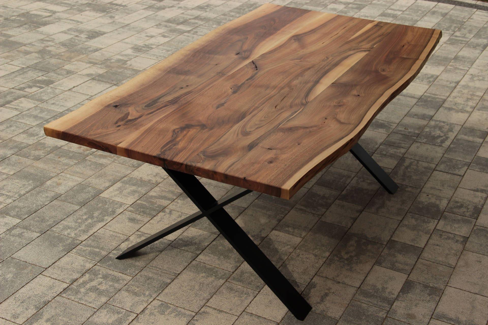 table noyer massif live edge sur pieds acier x frame etsy. Black Bedroom Furniture Sets. Home Design Ideas