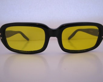 02814d416a5 Vintage Night Driving Sunglasses (105B Y) Italy